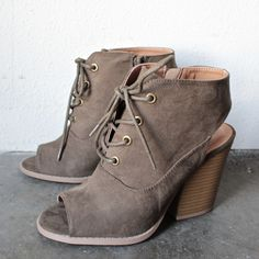 adventure lace-up peep toes suede bootie - shophearts - 1