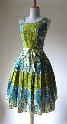 Vintage 1950s Dress // Floral // Polished Cotton by FabVintage, $144.00
