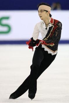羽生、衝突で流血も死力尽くして2位(中国杯)|フォトギャラリー|フィギュアスケート|スポーツナビ Yuzuru Hanyu