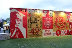 While you discovered some progress shots yesterday (covered), Shepard Fairey and his crew have now completed this new mural in Miami, USA for Art Basel 2012.
