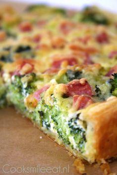 Heerlijke, super eenvoudige én snelle quiche met broccoli en hamblokjes!