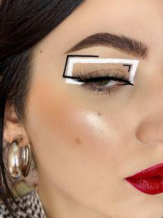 """nadia on Twitter: """"been experimenting a lot lately… """" Retro Makeup, Edgy Makeup, Eye Makeup Art, Kiss Makeup, Makeup Inspo, Makeup Inspiration, Simple Makeup Tips, Creative Eye Makeup, Graphic Makeup"""