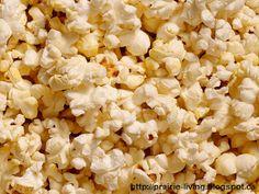 Finding Joy in My Kitchen: Grandma's Sugared Popcorn (better than kettle corn) Sugar Popcorn, Popcorn Snacks, Pop Popcorn, Air Popped Popcorn, Butter Popcorn, Popcorn Recipes, Gourmet Recipes, Snack Recipes, Fotografia