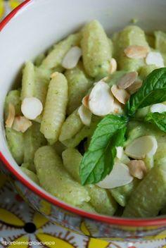 pesto di zucchine mandorle e menta
