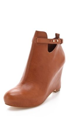 """My first fall shoe purchase: the practically perfect Elizabeth and James """"Psych"""" wedge boot"""