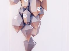 DIY-Anleitung: Adventskalender aus Papierdiamanten basteln via DaWanda.com