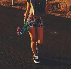 Longboard girly unter We Heart It.