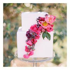love this 2 tier square white wedding cake! ~  we ❤ this! moncheribridals.com