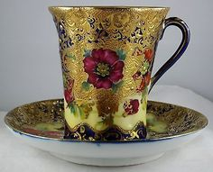 Details about 6 Nippon Porcelain Demitasse Tea Cups & Saucers-Floral & Gold Gilt. Nippon Porcelain Cobalt & Gold Encrusted Floral - 8 Mugs/Cups + 6 Saucers Tea Cup Set, Tea Cup Saucer, Tassen Design, Café Chocolate, Antique Tea Cups, Vintage Teacups, Cafetiere, Style Deco, China Tea Cups