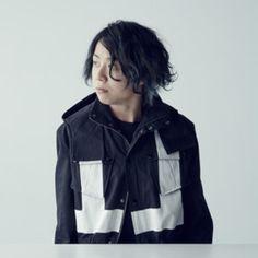 TOMOYA - #ONEOKROCK Interview on #Vogue Japan Magazine! Photos: Seiichi Niitsuma Styling: Chikako Tanifuji Hair: Go Utsugi at Signo Makeup: Michiko Funabiki #oneokrockworld