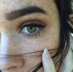 Beautiful natural makeup look.