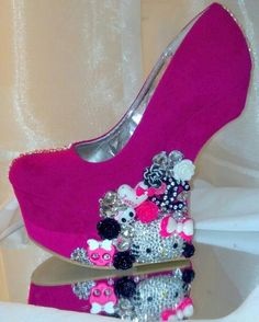 Custom Shoes, Salon Services | Murfreesboro, TN