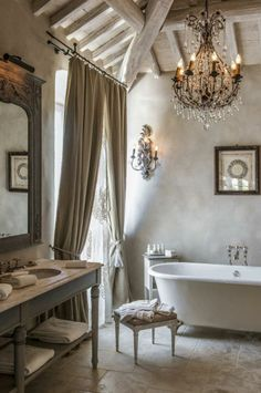 Rustic and romantic French Bathroom. The post French Bathroom. Rustic and romantic French Bathroom. appeared first on Decor Designs . French Decor, French Country Decorating, Sweet Home, Shabby Chic Interiors, French Interiors, French Country House, French Farmhouse, Country Living, Country Farmhouse
