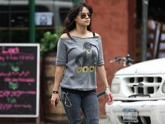 Michelle Rodriguez Wallpaper - Michelle Rodriguez Wallpaper (25763059) - Fanpop fanclubs Michelle Rodriguez, White Top And Blue Jeans, San Antonio, Dom And Letty, Youtubers, Tomboy Fashion, T Shirts For Women, Clothes For Women, Woman Crush