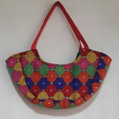 Smart and stylish small treat totes to bring smile on your loved ones face on Diwali.