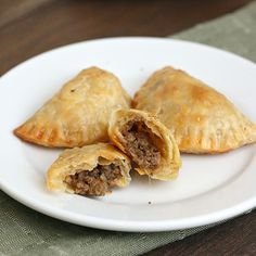 Mini Beef and Cheese Empanadas. Make-Ahead Mini Beef and Cheese Empanadas Cheese Empanadas Recipe, Beef Empanadas, Bon Appetit, Beef Recipes, Mexican Food Recipes, Great Recipes, Favorite Recipes, Little Lunch, Yummy Food