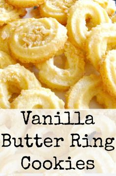 These little cookies have a wonderful vanilla flavor and melt in your mouth. Easy to make! These little cookies have a wonderful vanilla flavor and melt in your mouth. Easy to make! Spritz Cookies, Galletas Cookies, Vanilla Cookies, Chip Cookies, Quick Cookies, Cinnamon Cookies, Star Cookies, Pumpkin Cookies, Shortbread Cookies