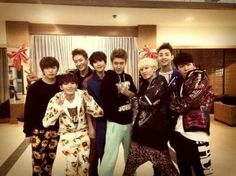 "Siwon uploaded a picture on his Twitter with the caption, ""We have just finished! We are the Super Junior. See you all at Myung-dong on January 30.""  --- Sungmin, Ryuwook, Choi Siwon, Eunhyuk, Kyuhyun, Donghae, Henry and Chomi"