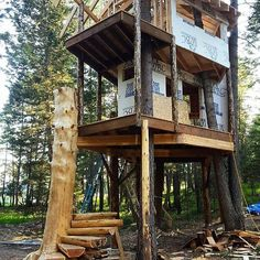 I've been enjoying seeing the @mttreehouseretreat #treehouse develop. Check out those stairs! #treehouseclub