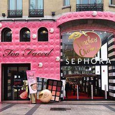 Sephora store in Paris Makeup Goals, Makeup Inspo, Skin Makeup, Makeup Brushes, Maquillage Too Faced, Beauty Bar, Beauty Makeup, Makeup Style, Beauty Tips