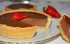 Retete Culinare - Tarte cu ciocolata My Favorite Food, Favorite Recipes, My Favorite Things, Something Sweet, Sweet Treats, Cheesecake, Cookies, Breakfast, Desserts