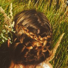 Hairstyle in nature