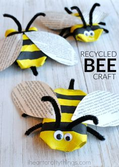Awesome Recycled Bee Craft This awesome recycled bee craft is a cute insect craft, Earth Day Craft, fun spring kids craft, cool recycled kids craft and cardboard roll craft for kids. The post Awesome Recycled Bee Craft appeared first on Welcome! Kids Crafts, Recycled Crafts Kids, Spring Crafts For Kids, Bee Crafts, Preschool Crafts, Art For Kids, Arts And Crafts, Paper Crafts, Craft Kids