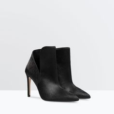 Image 2 of LEATHER HIGH HEEL BOOTIE WITH FUR from Zara