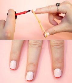 10 handige trucs voor het lakken van je nagels | De elastiek, gebruik een rubberen elastiekje om mooie symmetrische French tips te creëren.