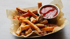 Add savory umami flavor to sweet potatoes fries by tossing with Parmesan cheese, seasoned salt and rosemary. Serve as a side dish or a fun party appetizer with the Rosemary Balsamic Ketchup for dipping. Creamed Corn Recipes, Sweet Potato Recipes, Veggie Recipes, Freeze Sweet Potatoes, Mashed Sweet Potatoes, Greenbean Casserole Recipe, Casserole Recipes, Vegetable Side Dishes, Side Dishes Easy
