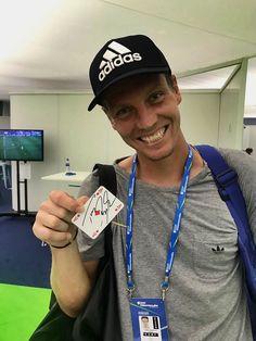 StarCards supporter Tomáš Berdych