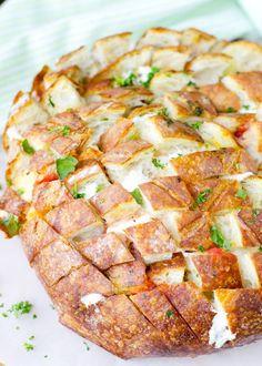 Pain hérisson mozzarella tomate - Un pain hérisson pour l'apéritif - Elle à Table
