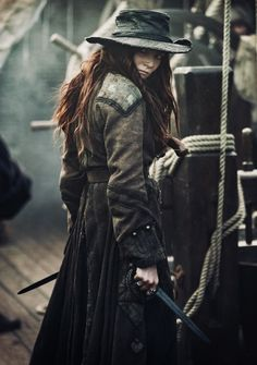 Pirate Hat - worn by Clara Paget - as Anne Bonny - in Black Sails (Stars series) - Fantasy Inspiration, Story Inspiration, Character Inspiration, Character Design, Pirate Queen, The Pirate King, Larp, Clara Paget, Vaquera Sexy
