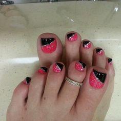 Pink-And-Black-Glittery-Toe-Nails Pretty Toe Nail Art Ideas Pretty Toe Nails, Cute Toe Nails, Pretty Toes, Fancy Nails, Diy Nails, Pedicure Nail Art, Toe Nail Art, Acrylic Nails, Pink Pedicure