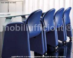 mod. ERGO #poltrona #attesa. Poltrona e divani in monoscocca ergonomica per realizzare composizioni adattabili a piccoli e grandi spazi. La poltrona può essere accessoriata con tavoletta scrittoio in ABS nera.