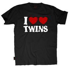 Funny shirt I LOVE TWINS hearts love Mens cool humor T-Shirt