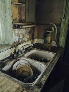 undone chores @ mercury house | Flickr - Photo Sharing!