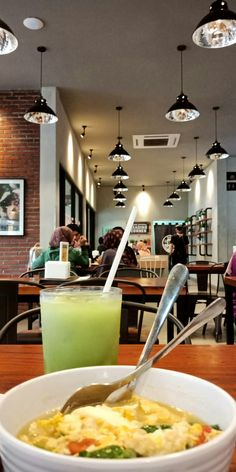 Food N, Food And Drink, Snap Food, Food Pictures, Emoji Pictures, Coffee Places, Cafe Shop, Aesthetic Food, Food Photo