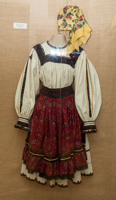 Simona's Journey!: Costum Popular Oas - Transilvania