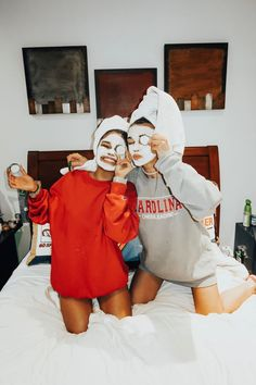 Photos for best friends. photos in bed - Bff Pictures Bff Pics, Photos Bff, Cute Friend Pictures, Cute Photos, Roommate Pictures, Family Pictures, Best Friend Fotos, Best Friend Pics, Shooting Photo Amis