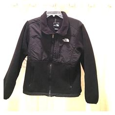 Black North Face Jacket Black North Face Jacket. Women's medium. Used but great condition. Smoke free home. The North Face Jackets & Coats Utility Jackets