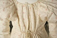 Day gown c. 1810-1815.  Interesting back closure.