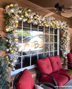 Classy Christmas Window Decor Ideas That Looks Elegant 39 - Holiday Bright Christmas Decorations, Elegant Christmas Decor, Classy Christmas, Christmas Home, Christmas Lights, Christmas Crafts, Holiday Decorating, Snowman Crafts, Christmas Garlands