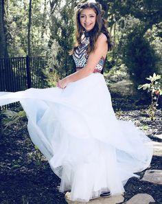 Kamri Noel's prom dress Date Dresses, Hoco Dresses, Homecoming Dresses, Formal Dresses, Wedding Dresses, Homecoming Ideas, Brooklyn And Bailey, Prom Date, Cute Girls Hairstyles