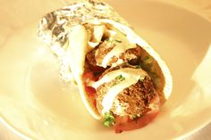 Falafel Sandwich Falafel Sandwich, Middle Eastern Recipes, Sandwiches, Tacos, Mexican, Ethnic Recipes, Food, Roll Up Sandwiches, Meal
