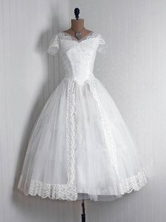 Another Gorgeously Pretty 1950's Vintage Wedding Dress