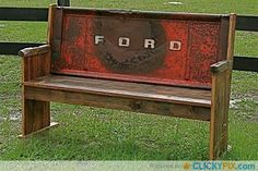 41 DIY Truck Tailgate Benches – Upcycle a Rusty Tailgate