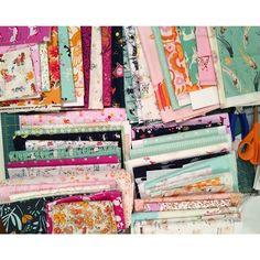 Some #patchwork coming up for the lovely @carolineruta. How is this looking for you?  #fabricpull