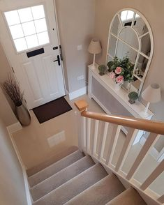 Trendy home decoration pictures entryway Decor, House Styles, House Design, New Homes, Hallway Decorating Colours, Home Decor, Hallway Colours, House Interior, Elevator Interior