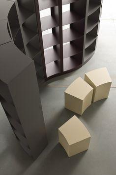 DODA - Libreria modulare componibile. DODA - Stackable modular bookcase.